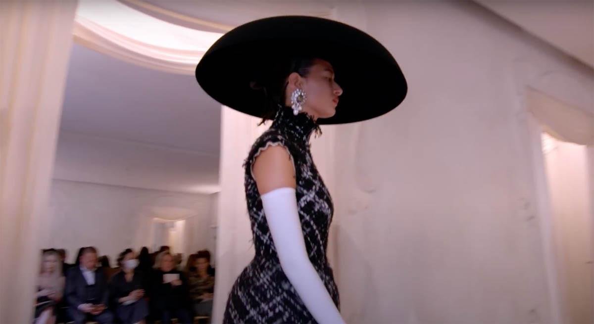 Balenciaga-Haute-Couture-FW2021-22-Automne-Hiver-11