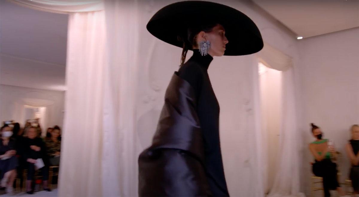 Balenciaga-Haute-Couture-FW2021-22-Automne-Hiver-5