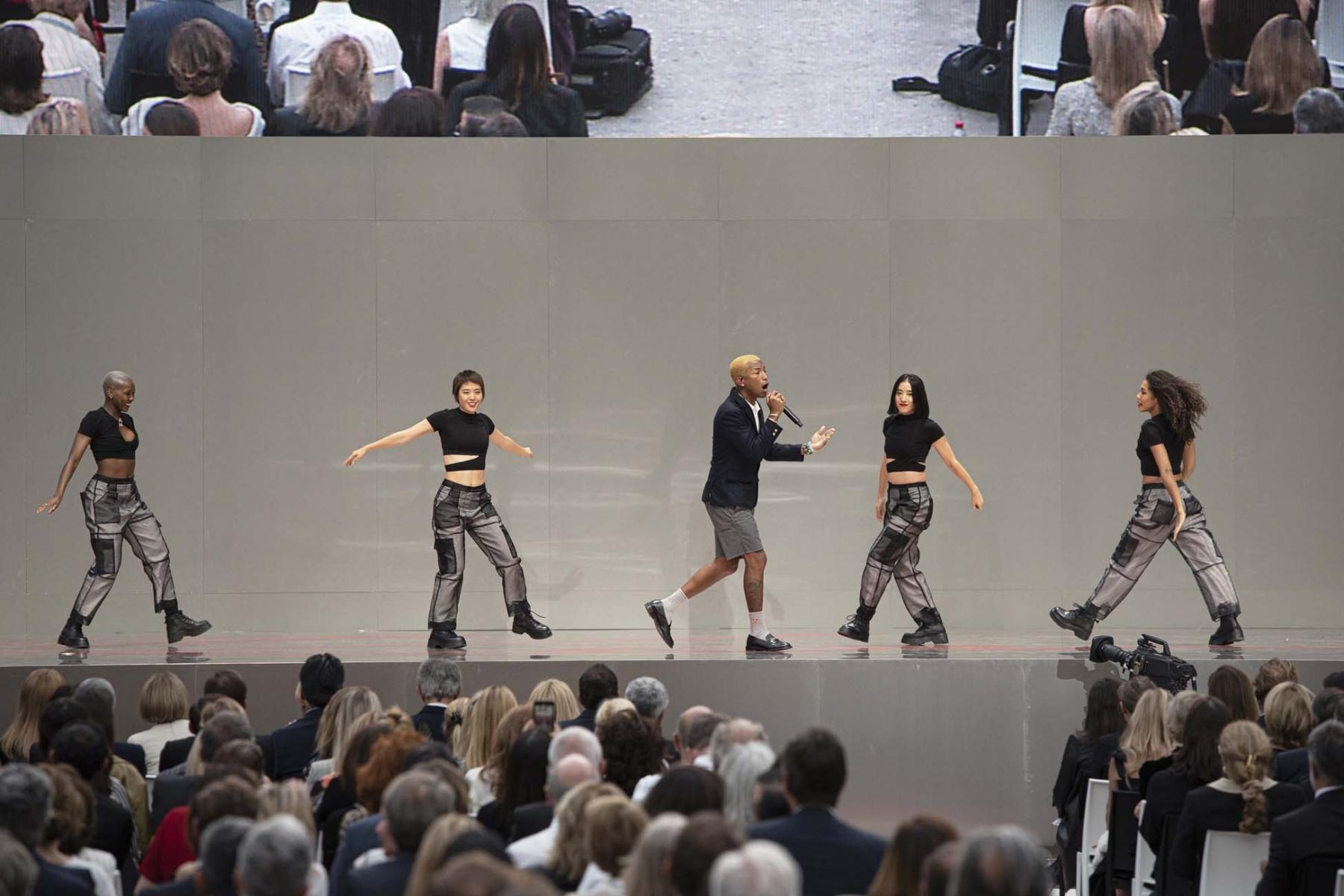Hommage-Karl-Lagerfeld-12