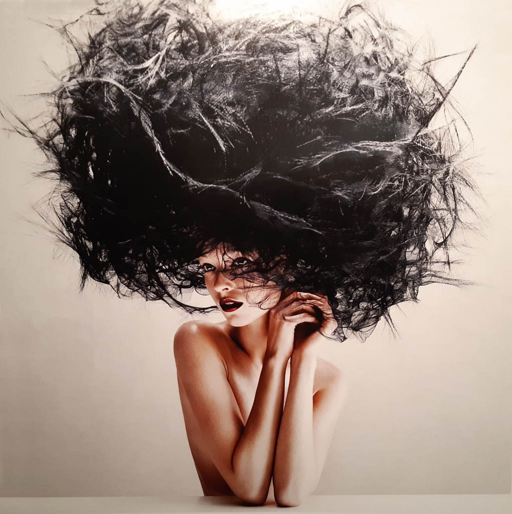Victor-Demarchelier.-Harpers-Bazar-2012
