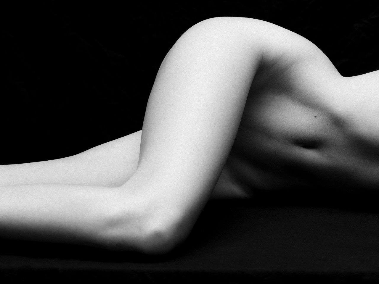 Victor-Demarchelier.-Nude-Lines-2