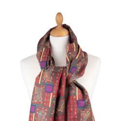 Foulard motif géométrique