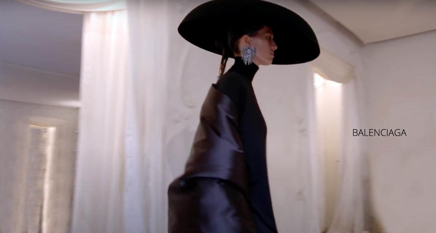 Balenciaga Haute couture Automne Hiver 2021-22